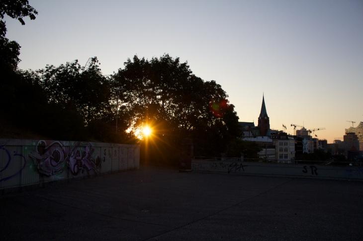 Morgensonne, Landungsbrücken
